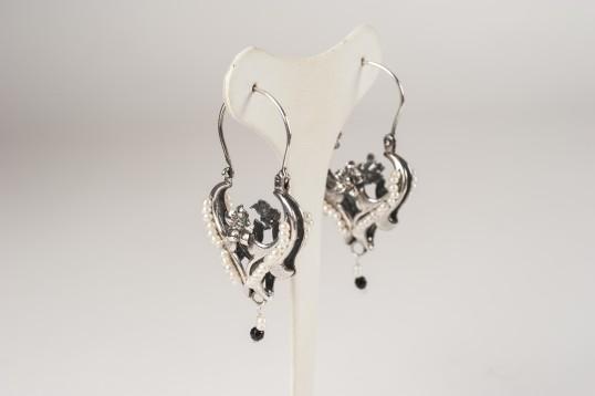 Orecchini in argento 925 con perle tessite