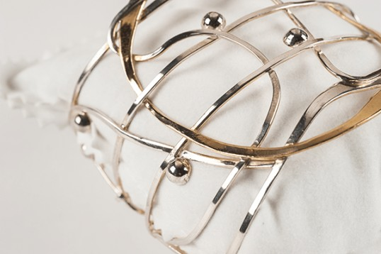 Bracciale con filo in bronzo giallo